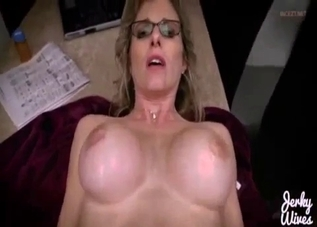 POV handjob from a glasses-wearing mommy