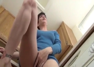 Short-haired mommy giving upskirt shots here