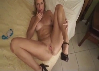 Blonde mommy seducing on camera